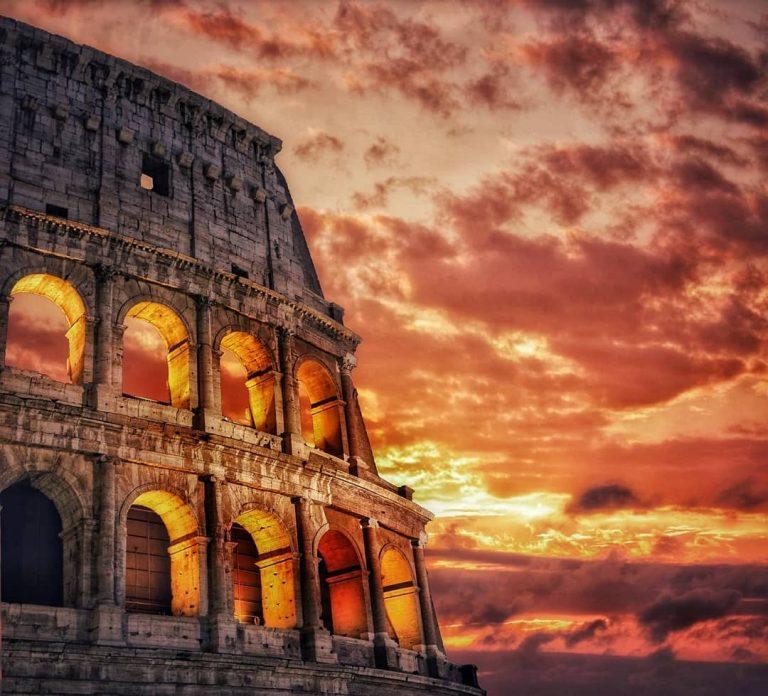 Particolare del Colosseo al tramonto