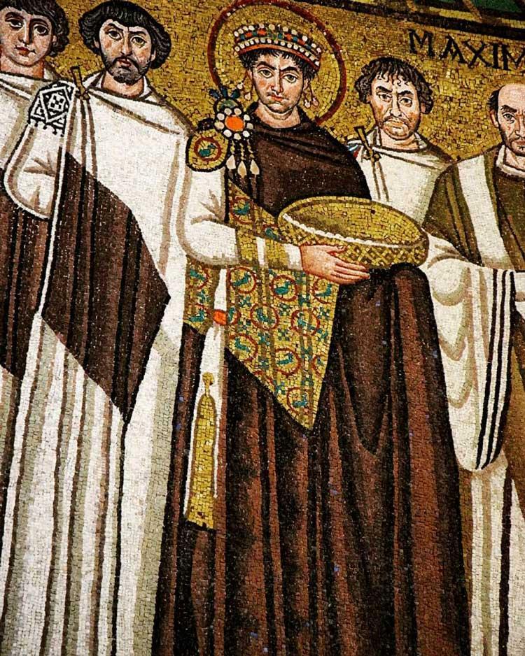 Mosaico di Giustiniano nella Basilica di San Vitale a Ravenna