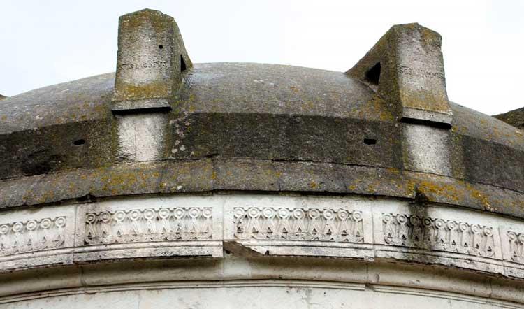 Mausoleo di teodorico esterno fregio a tenaglia