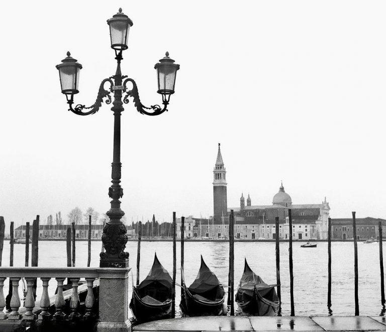 Venezia e la laguna in bianco e nero