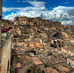 """<span class=""""entry-title-primary"""">I Sassi di Matera: storia, arte e leggende</span> <span class=""""entry-subtitle"""">Piccola guida alla Capitale Europea della Cultura 2019</span>"""