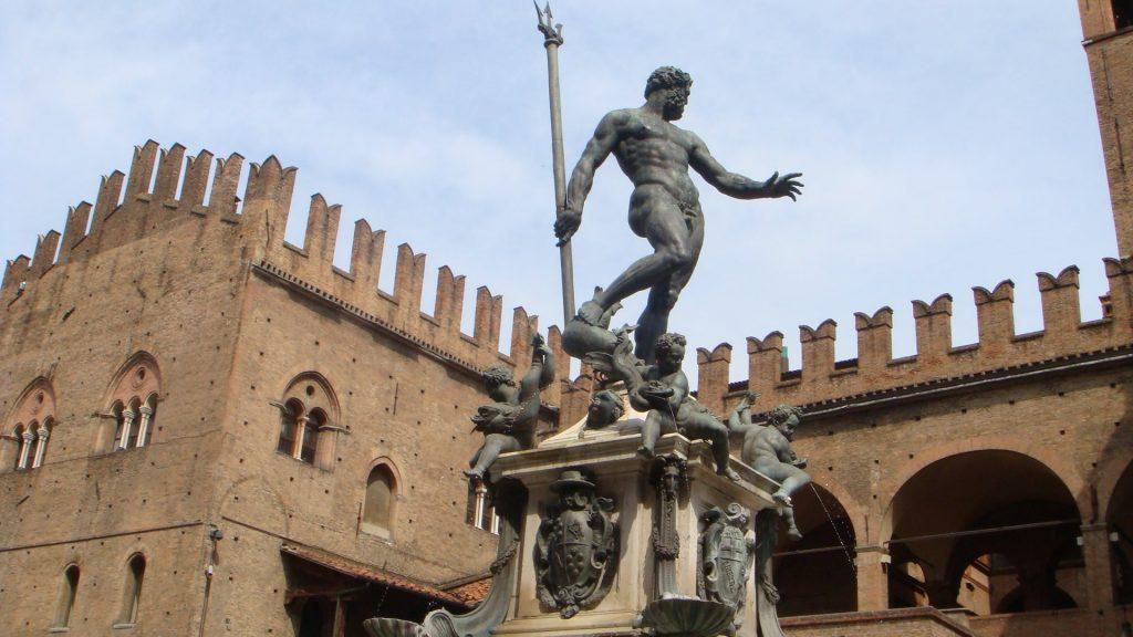 Fontana del Nettuno (e Palazzo Re Enzo)