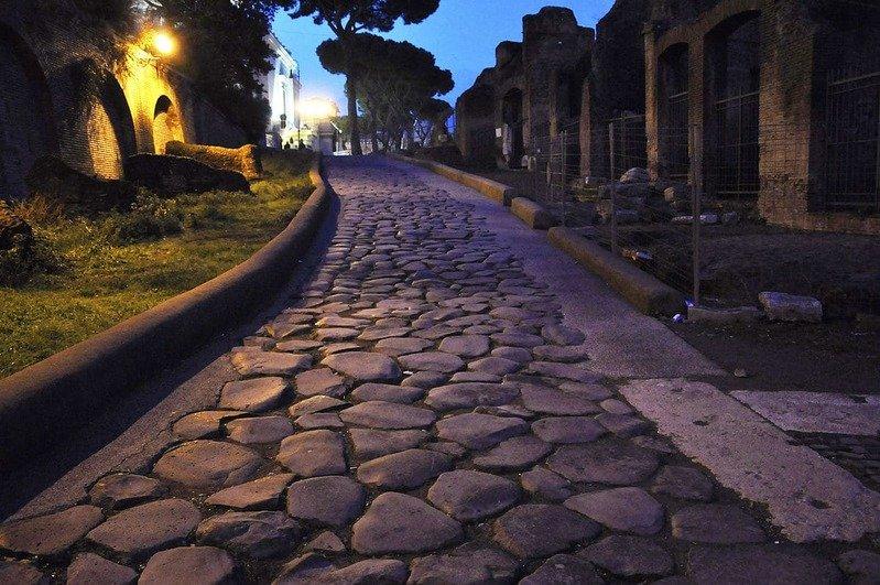 1200px Rome Clivus Argentarius 9 01 2011 18 32 06 1