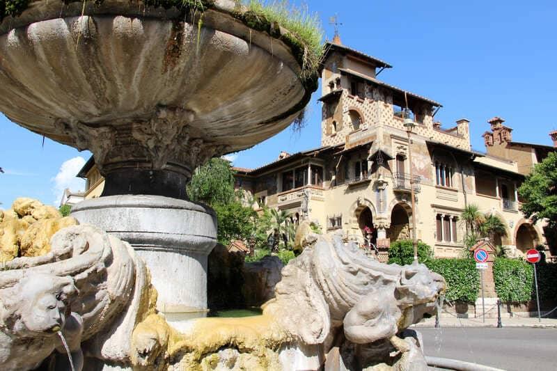 quartiere coppedè roma fontana delle rane